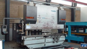 LVD Presse 320 tonnen Länge 4000mm